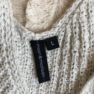 moon & Madison Tops - Oatmeal knit crop tank